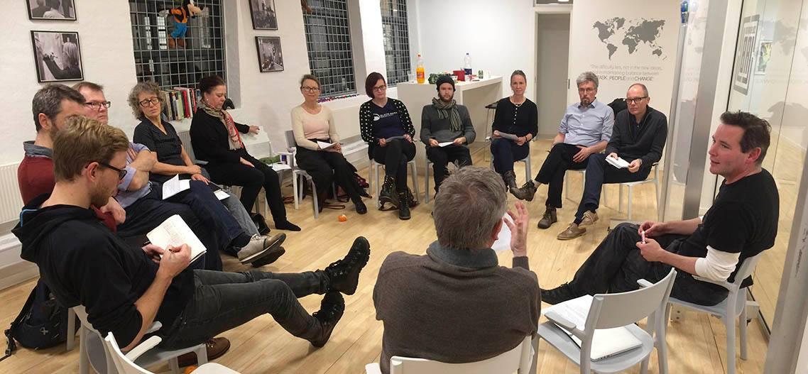Tegneserier: Fyraftensmøde om kontrakter og e-bogsportaler