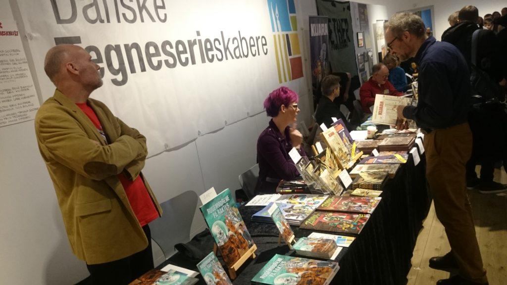 Fra Danske Tegneserieskaberes stand på tegneseriefestivalen Art-Bubble november 2017, hvor medlemmerne solgte deres værker.